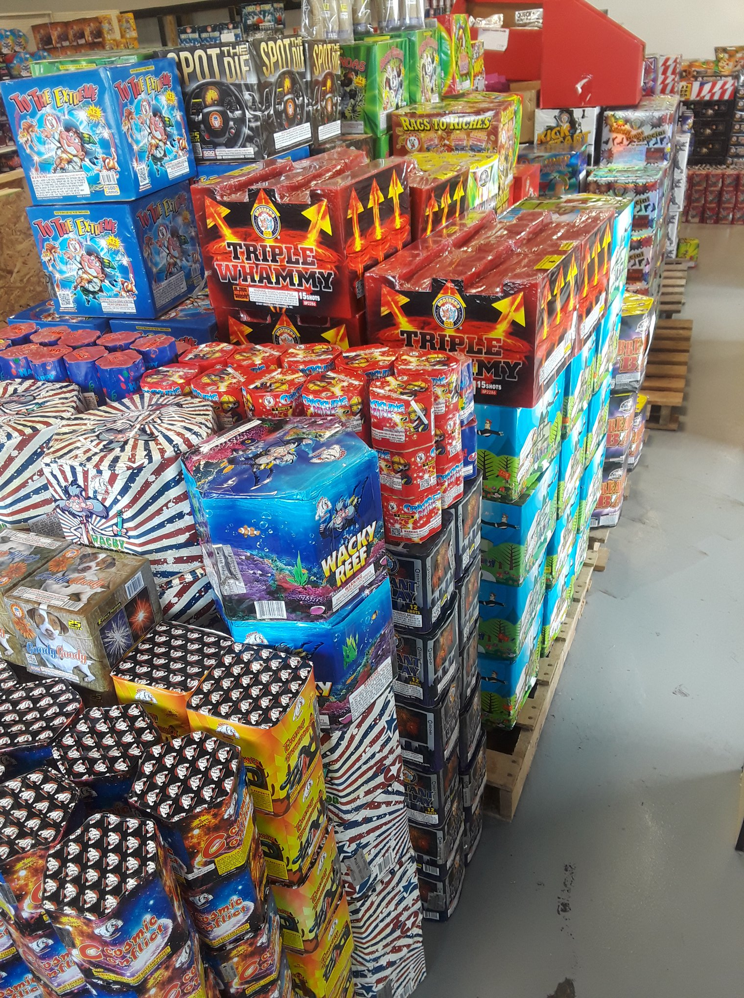 Wacky Willy's Fireworks Store Inventory